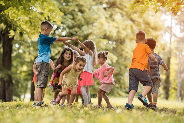 رشد عاطفی کودکان با بازی